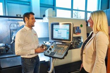 Experte Beratung Beratungsgespräch Zerspanung Spanntechnik Gödde GmbH